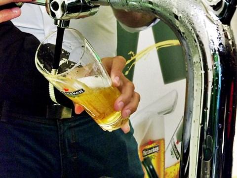 Jak se má správně načepovat pivo #pivo